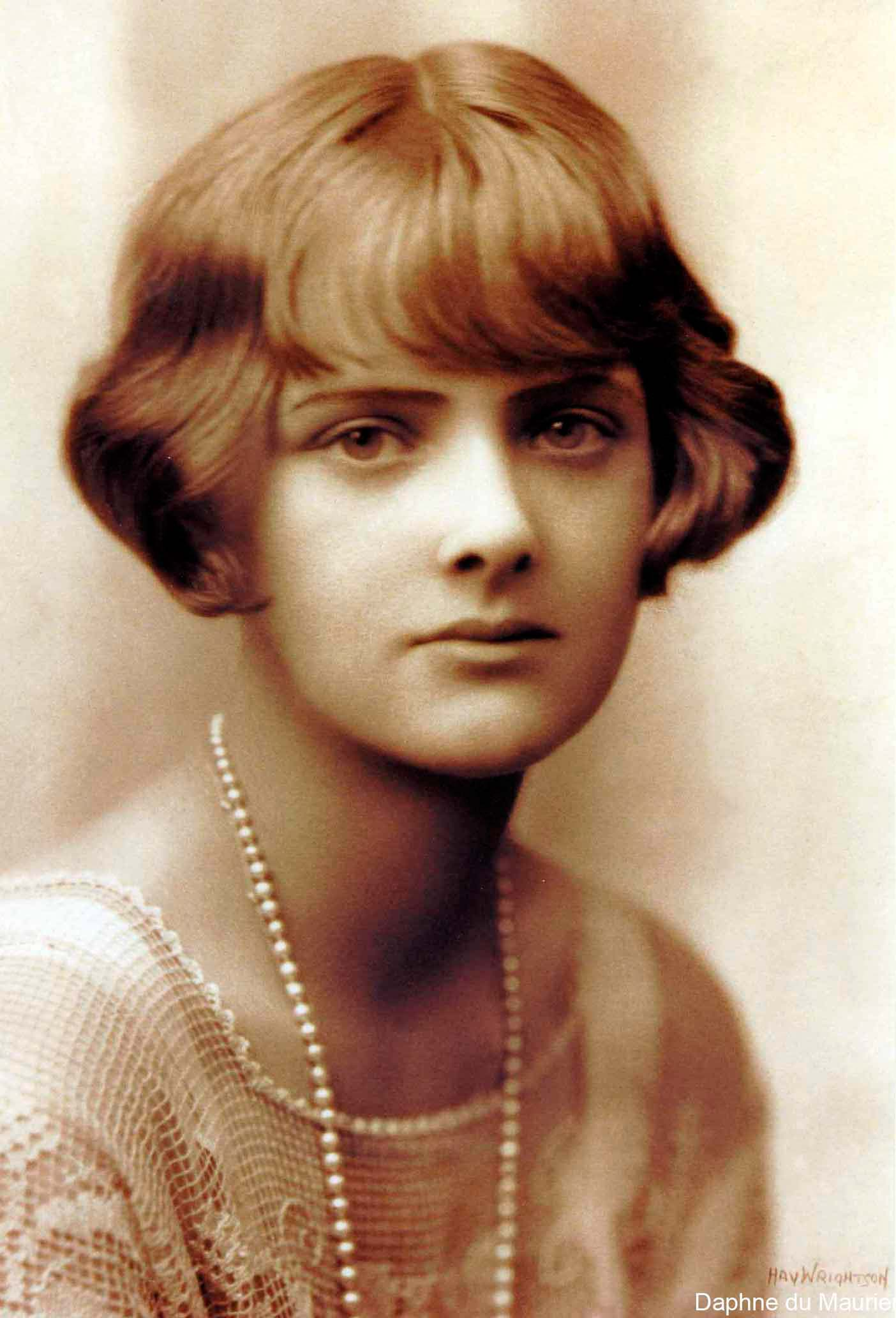 an analysis of rebecca a novel by daphne du maurier Rebecca rebecca by daphne du maurier has become a widely read novel it was also made into a well known movie by alfred hitchcock, winning an oscar for best picture.