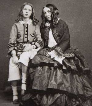 Elizabeth Barrett Browning, and her son Robert Wiedemann Barrett Browning, 1860