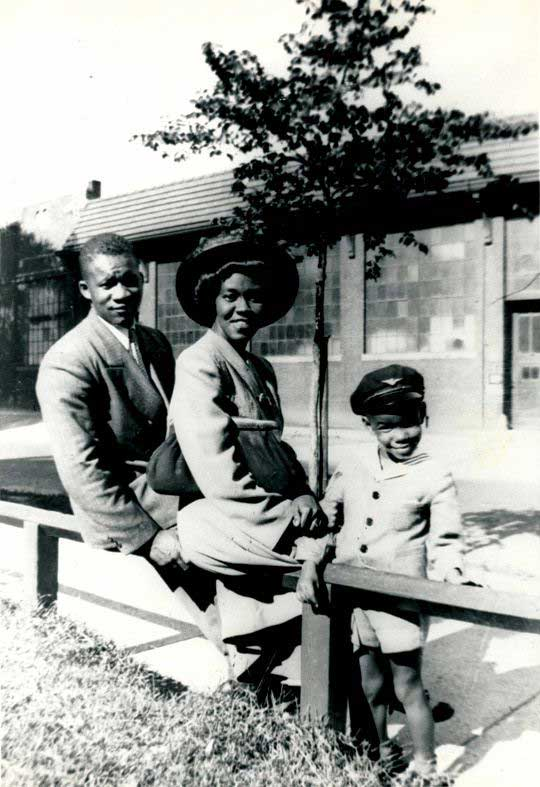 Gwendolyn Brooks and family, 1945