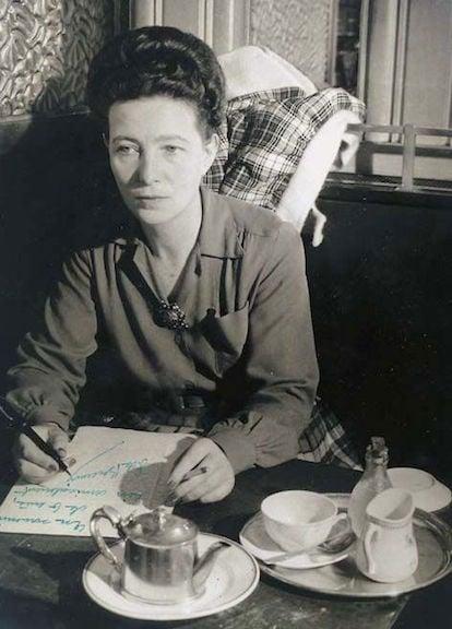 Simone de Beauvoir, 1945