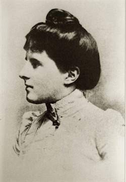 Mary Webb as a young woman