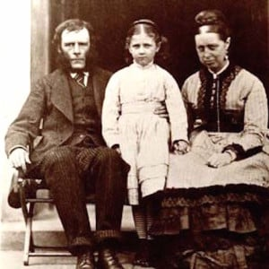 Beatrix Potter age 8 with parents, ca 1874