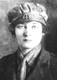 Enid Bagnold as a World War I volunteer nurse