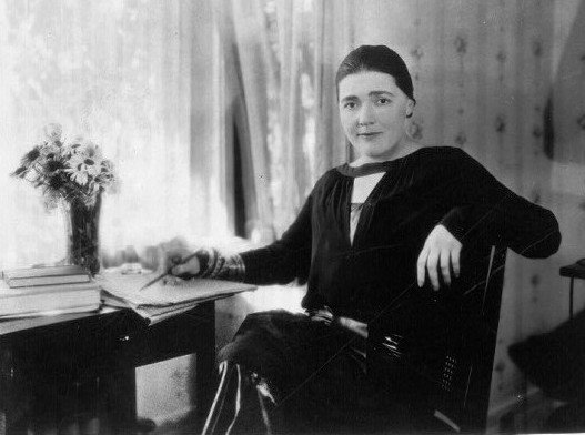 fannie hurst at her desk