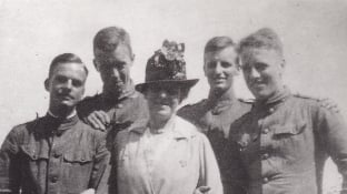 Edith Wharton with WWI soldiers