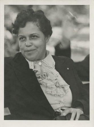Gwendolyn B Bennett