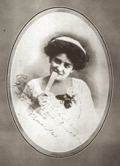 Mercedes Negron Muñoz - Clara Lair