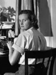 Daphne du Maurier at her desk