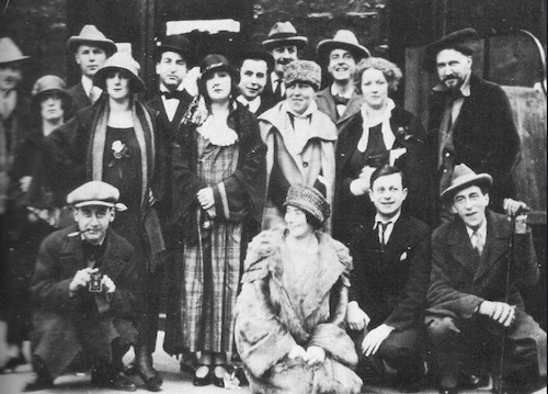 Mina Loy and her crowd
